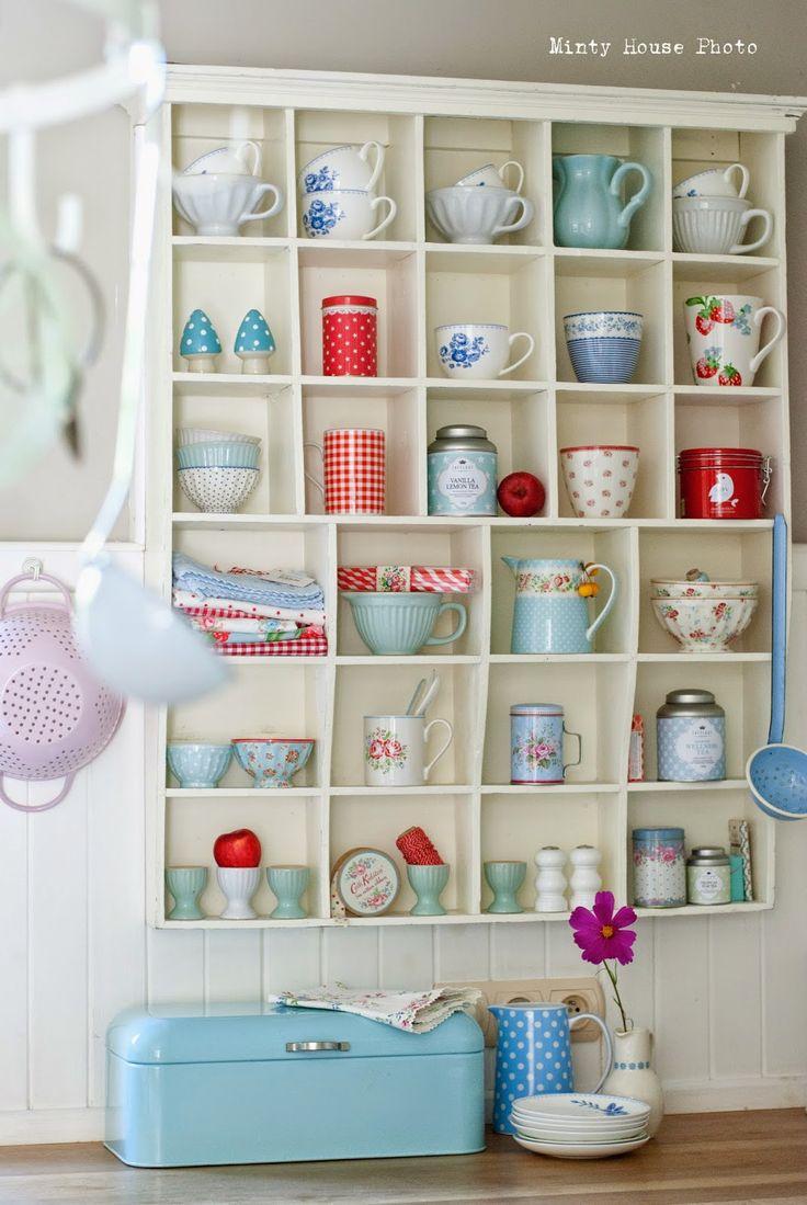 @ Minty House Blog - shelves