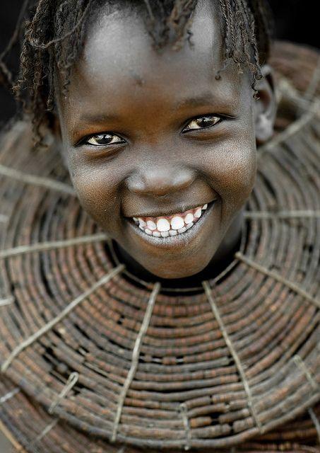 Big Smile and giant necklace - Kenya
