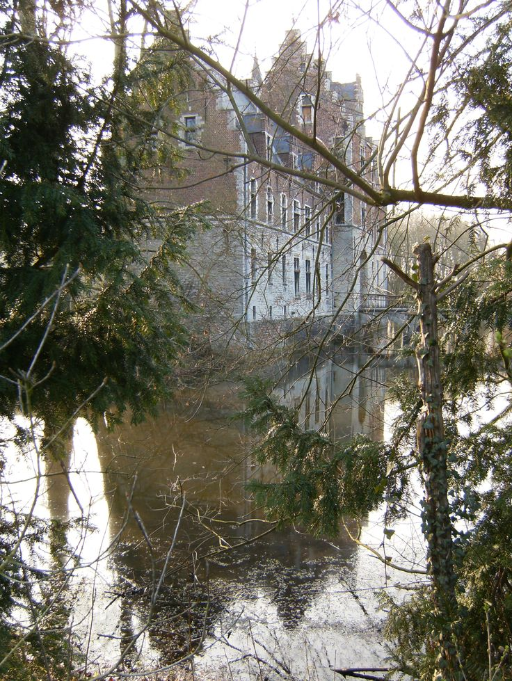 The Rubenskasteel (Castle of Rubens), also known as Het Steen (The Rock) is situated on the former Flemish Brabant commune of Elewijt, now part of Zemst. Peter Paul Rubens lived there from 1635 till his death in 1640.