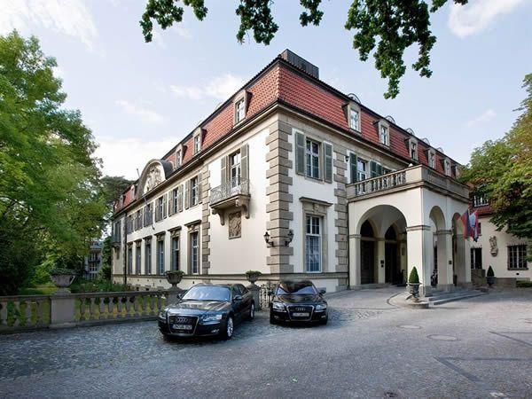 Schlosshotel im Grunewald. Hotel and restaurant in town. Berlin, Germany. #relaischateaux