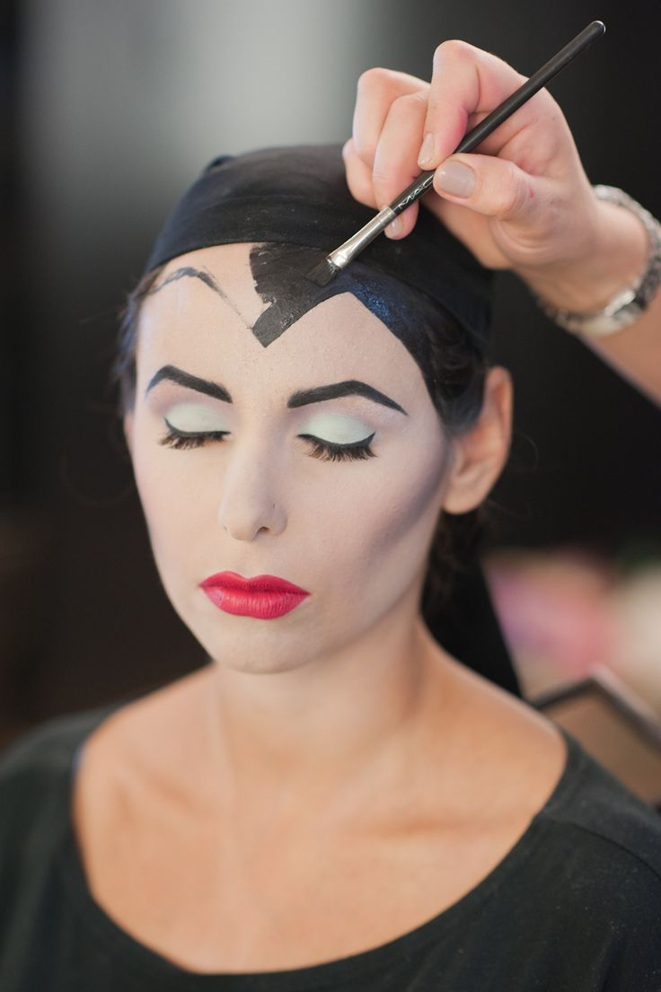 Halloween Makeup: 3 Looks of Villains from Disney Step a Step in Video Tutorials