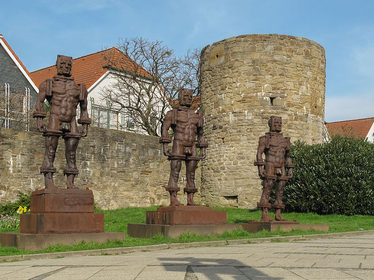 Datei:Hattingen, Menschen aus Eisen foto5 2012-03-27 16.08.JPG