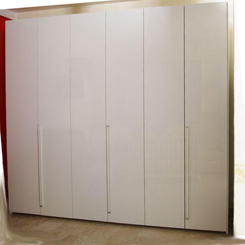 http://www.darredofranzese.com/products-page/la-notte/moderno-la-notte-2/armadi-moderno-la-notte-2/armadio-battente-6-ante-2/