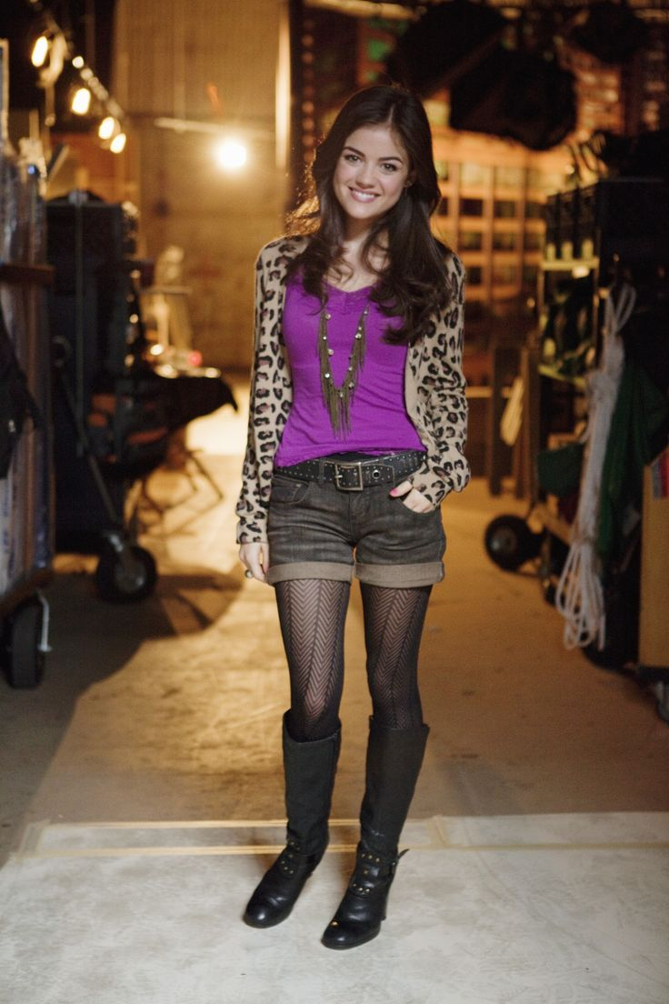 Remember this Aria outfit? #PLL