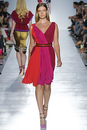 Elena Miro Spring 2012 RTW - fabulous dress love the color and the vertical color blocking