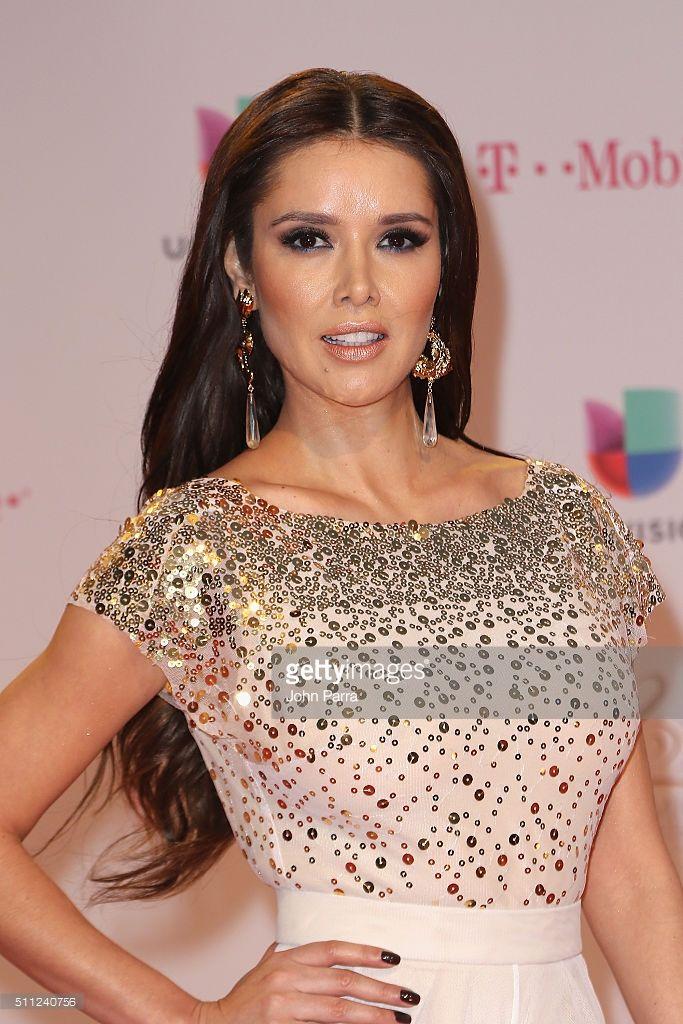 Marlene Favela attends Univision's 28th Edition of Premio Lo Nuestro A La Musica Latina on February 18, 2016 in Miami, Florida.