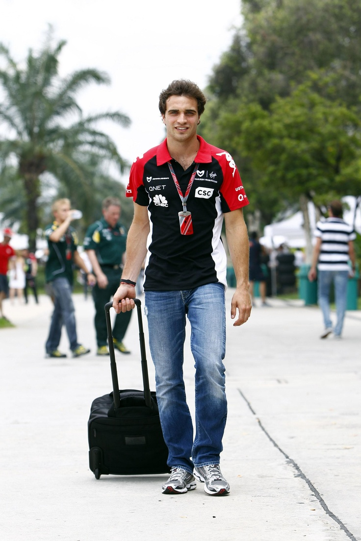 Antler, equipando a los pilotos del Marussia Virgin Racing Team de F1