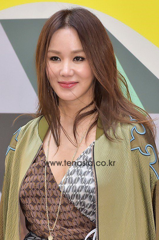 """Uhm Jung-hwa Still Undecided for Role in Upcoming Drama """"You are too Much"""""""