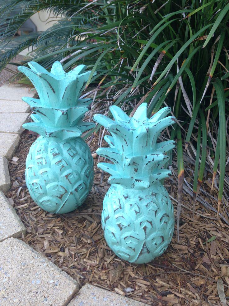 Aqua Pineapples
