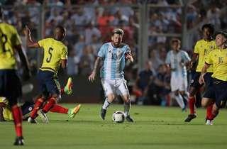¡Una fábrica de diversión! Pese a no estar en competencia (se encuentra en Rosario, disfrutando de un merecido descanso con su familia), Lionel Messi sumó un galard�... http://sientemendoza.com/2016/12/29/una-fabrica-de-diversion/