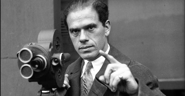 Frank Capra gana premio Oscar como mejor director por la película Vive Como Quieras, todo esto en 1938, ceremonia Oscar en 1939