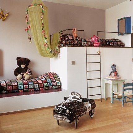 bunk bed...sort of....