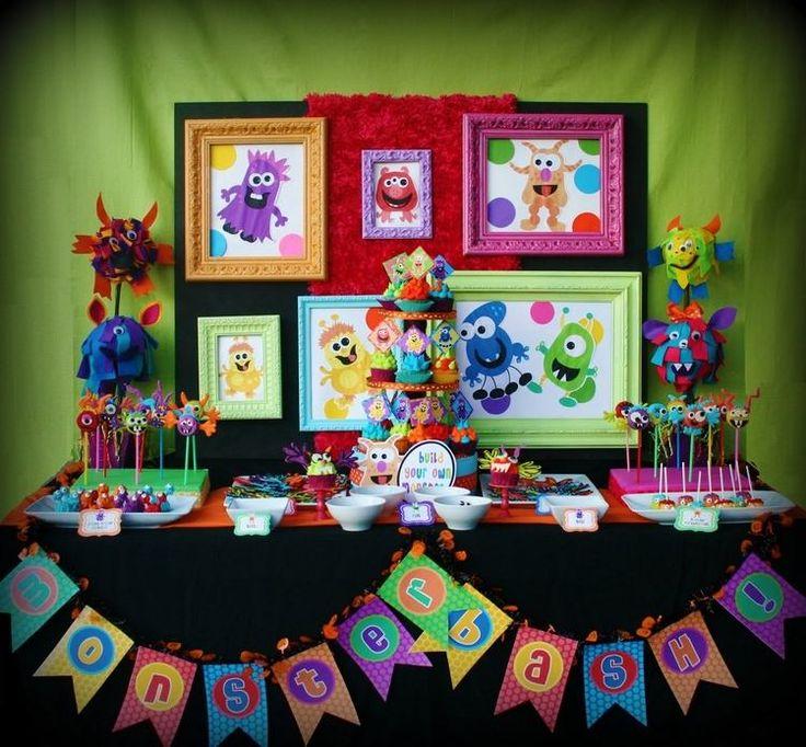 anniversaire enfant - idées de décoration de table et buffet sucré à thème monstres