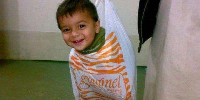 Funny Child In Plastic Bag Wallpaper For Facebook Free  #LoveWallpapers #FunnyWallpaper #HDWallpaper