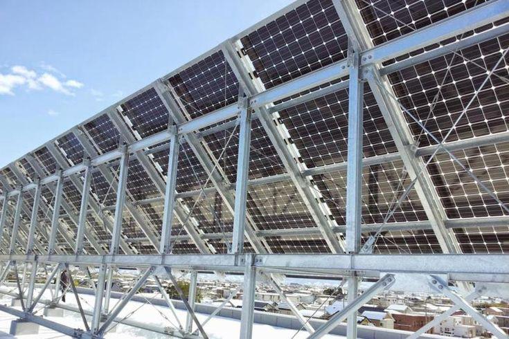 表も裏も発電できる太陽光パネル、日本にじわり浸透