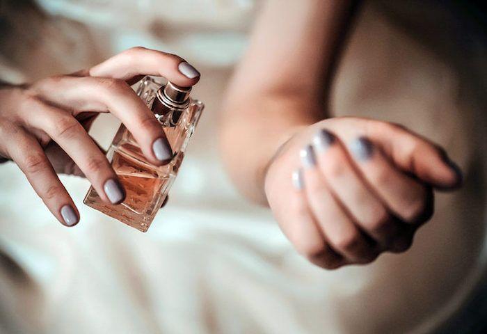 parfüm für dich, selbstgemachte geschenke für frauen, grauer lagellack