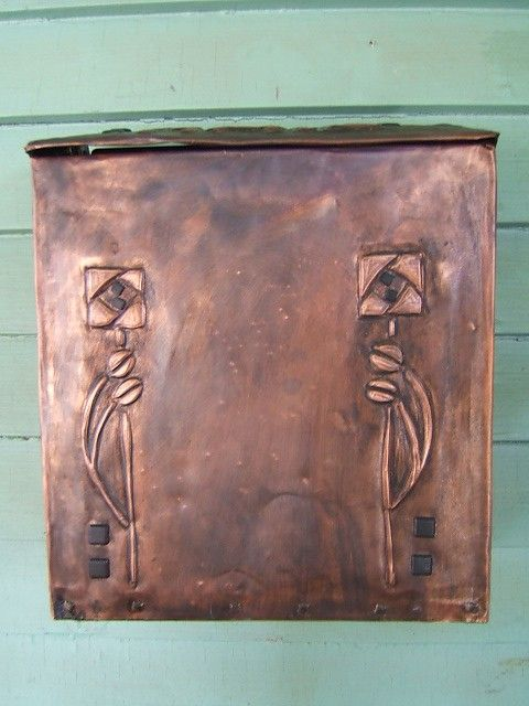 Craftsman Style Mailbox by KopperKitty on Etsy, $115.00 I hope someday I have a home mailbox again. This would be a great one!