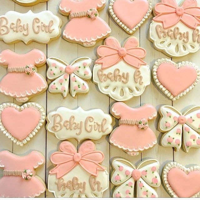 these perfectly girly cookies by @sugarsbyleah get all the heart eyes tonight She used my tutu baby dress, Fall plaque and signature bow for this set.