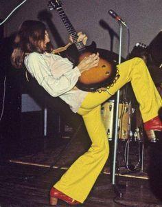 Mick Ralphs of Mott The Hoople performing at Birmingham Town Hall on December 26, 1970