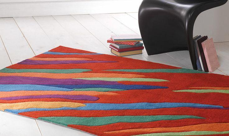 Tappeto base rossa con colori