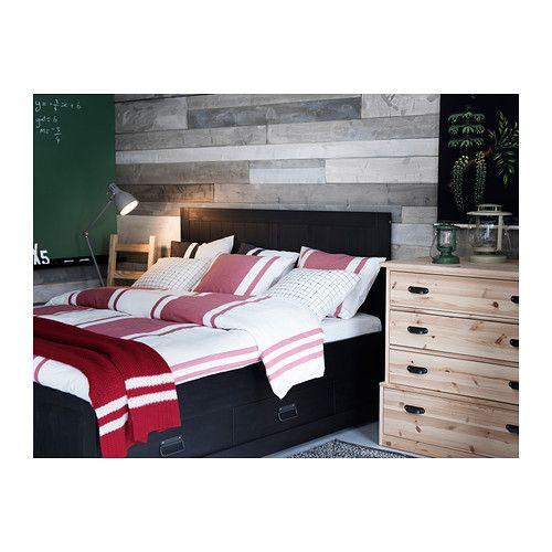 FJELL Bedframe met opberglades IKEA De 4 grote lades geven extra opbergruimte onder het bed.
