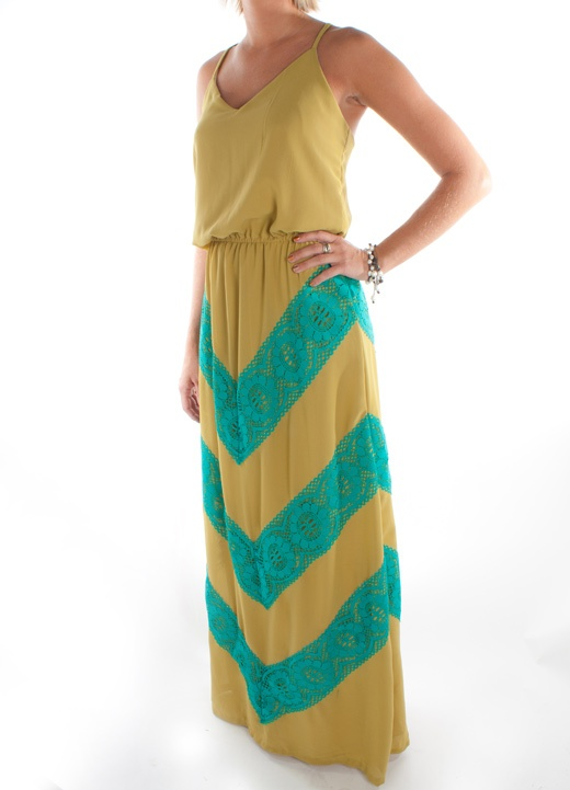 Love these two colors together.Hip Clothing, Maxi Dresses, Marching Maxis, Judith Marching, Fully Dresses, Maxis Dresses, Chevron Maxis, Colors Together, Dreams Closets