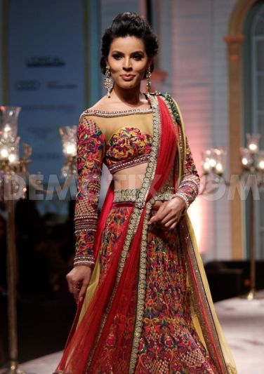 Mandira Wirk at Aamby Valley Indian Bridal Fashion Week 2013