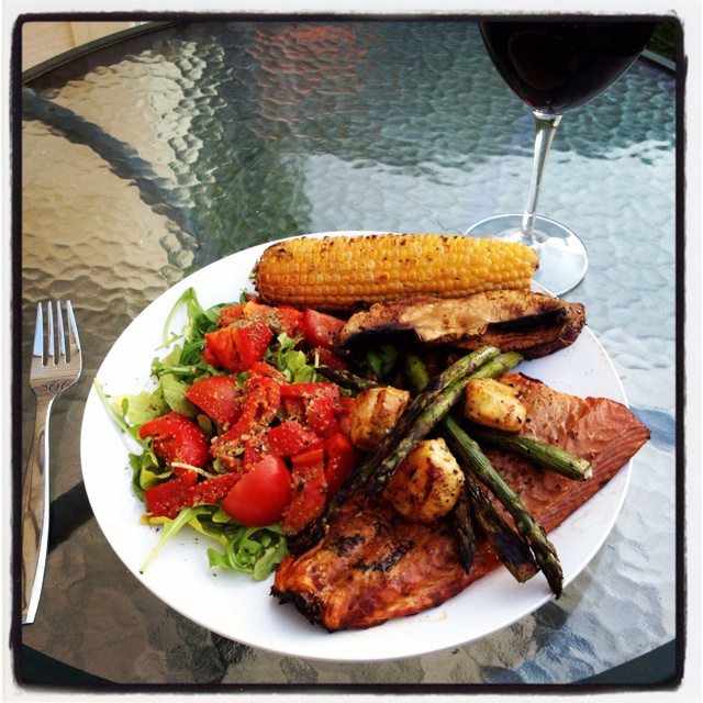 Hickory smoked wild Atlantic salmon with scallops, roasted asparagus, portobello and corn with a rocket & roasted red pepper salad #goodeats: Hickory Smoke, Peppers Salad, Salad Goodeat, Roasted Asparagus, Atlantic Salmon, Roasted Red Peppers, Wild Atlantic, Smoke Wild