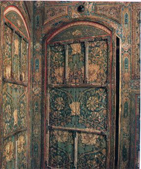 William Morris Patterned Door. Would that Mr Morris were on the other side!