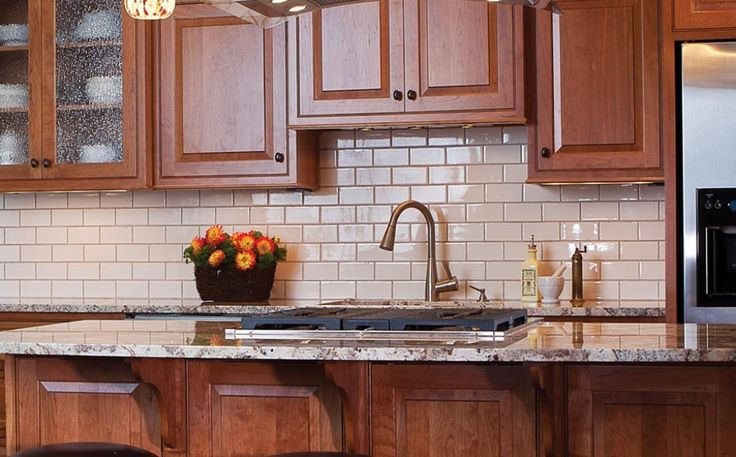 Is there a prevalent backsplash style that you see in smaller kitchens in big city apartments? - Backsplash Tips & Trends - Slideshows - Photos - Kitchens.com