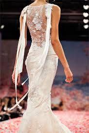 robe de mariée dos nu en dentelle