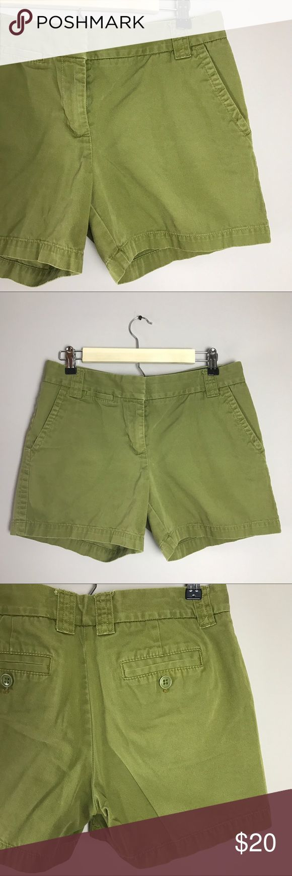 """J.Crew Size 6 Chino Classic City Fit Green Shorts J.Crew Size 6 Chino Classic Twill City Fit Green Functional pockets at hips Hook and eye closure Rise 9"""" Inseam 5"""" J. Crew Shorts"""