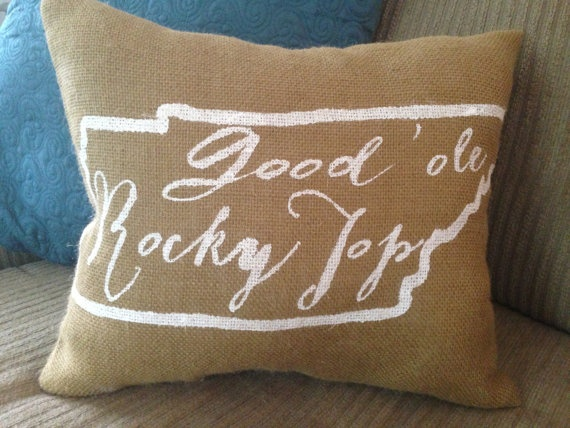 University of Tennessee burlap pillow- Good Ole Rocky Top, university of Tennessee, Custom Made to Order