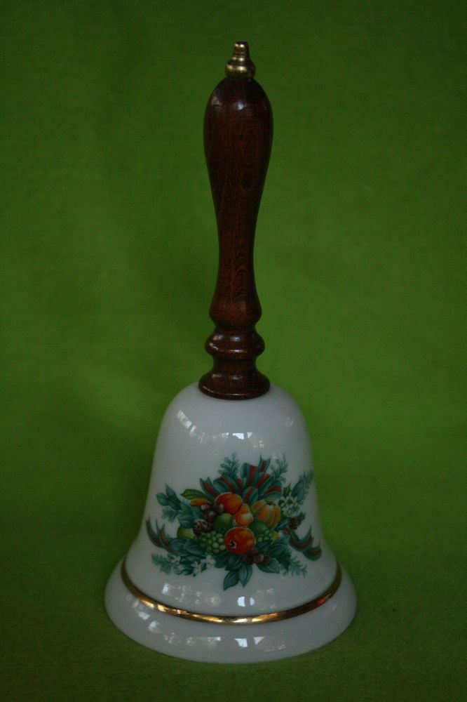 Vintage Avon Bell Christmas 1985 Fine Collectibles Porcelain