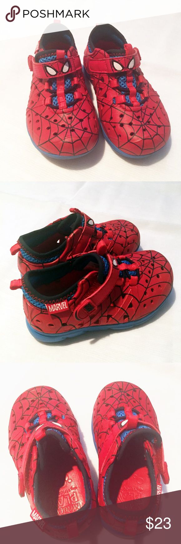 Stride Rite Spider-Man Phibian Sneakers Sz 7 Stride Rite Spider-Man phibian sneakers. Perfect for water and dry play. Excellent condition. Size toddler 7. Velcro closure. Stride Rite Shoes