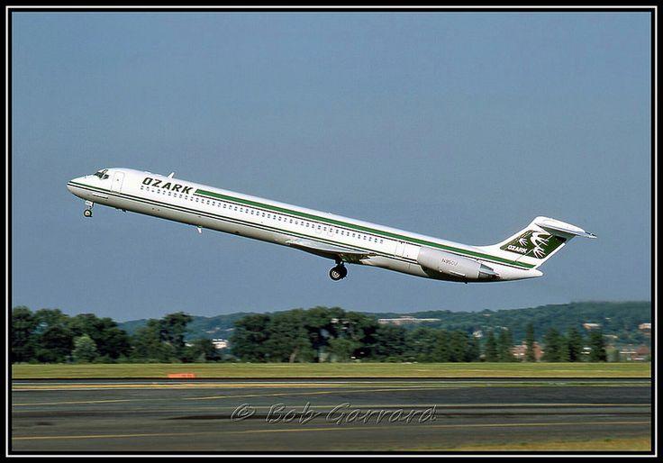 MD- 82 N950U Ozark Air Lines