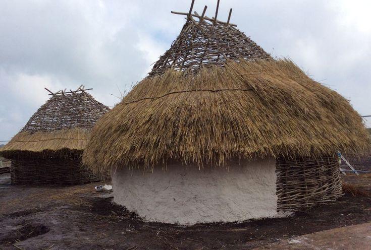 Reconstructing Stonehenge neolithic houses Prehistoric