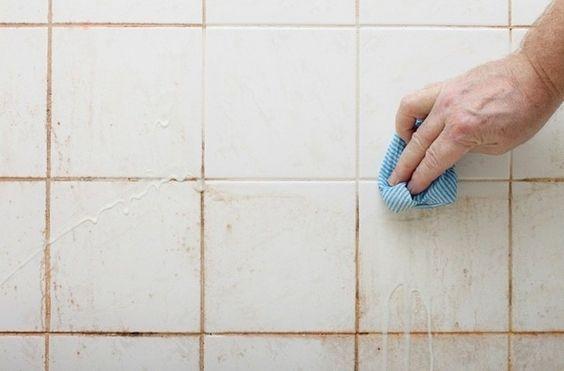 Smart trick til at rengøre dit brusebad – 2 ingredienser er alt du behøver