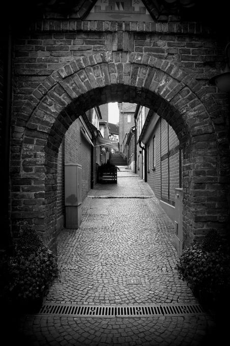 """Photo """"Handsomebrickarch.."""" by Flemming"""