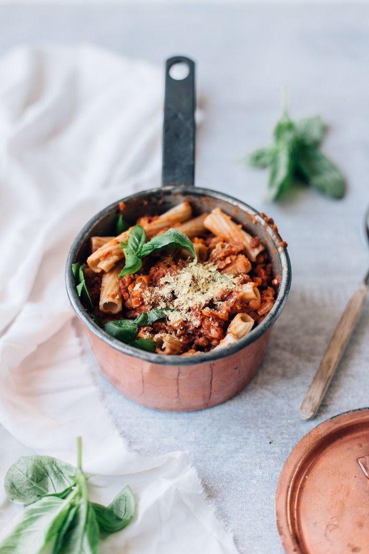 creamy vegan lentil bolognese