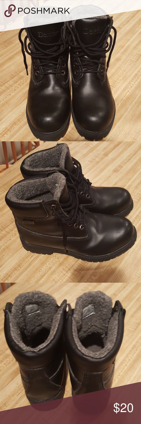 Waterproof Dexter Winter Boots Black Boot With Gray Fleece Lined Men's Winter Snow Boots. Worn once before my son grew and the seasons changed here! Size 7. New England Based Company in case you're not familiar with the brand. Dexter Shoes Boots