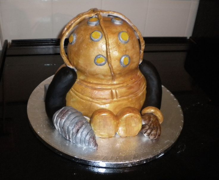 #Bioshock Big Daddy cake by ~evil-dark-faerie on deviantART