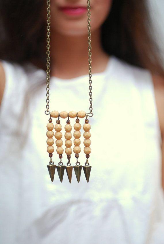 Tribal boho necklace, Beige beads necklace, Hippie arrow necklace, Festival necklace, bronze boho necklace