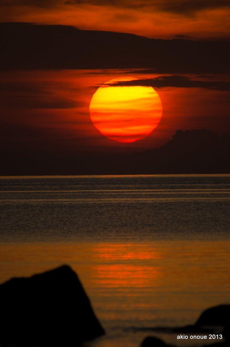 Old Man and The Seto Inland Sea 「老人と瀬戸内海」: 瀬戸内海の日の出 今日も一脚です。三脚はどうするか思案中です。