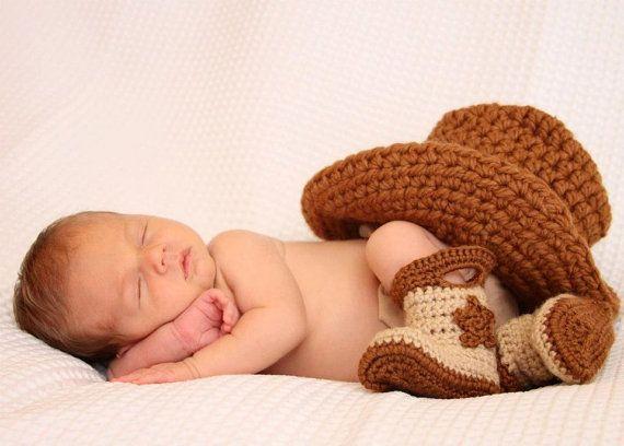 Bebé sombrero de vaquero y botas