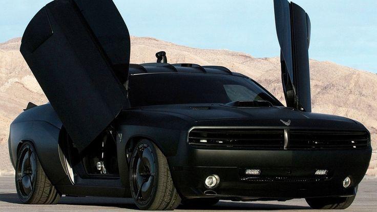 Dodge Challenger Vapor de 2009 en color negro mate by Galpin Auto Sports de California para la U.S. Air Force. Biplaza de 565 CV.