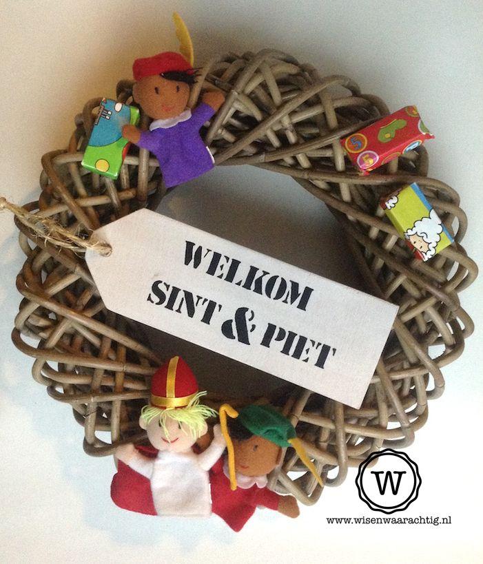 Sinterklaas krans met houten label. #sinterklaas