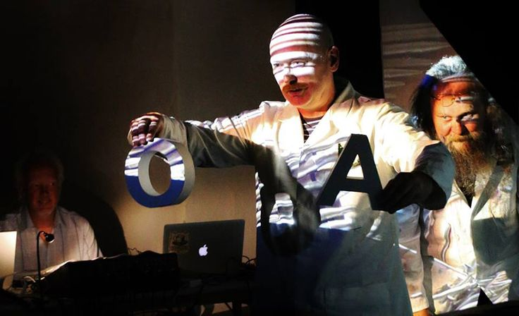 """Softday From the performance of """"Sonic Pareidolic Ceromancy"""" at BZZZ! International Sound Art Festival."""