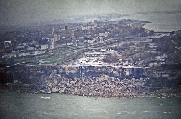 Dry Niagara Falls 1969