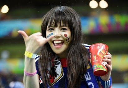 Islamabad4u: Japanese football fans cleaned their mess after ma... جاپانی فٹبال شائقین کا اقدام!!! دُنیا حیران رہ گئی , تفصیلی رپورٹ ملاحظہ کرنے کے لیے اس لنک پر کلک کیجیے!۔ http://islamabad4u.blogspot.com/2014/06/japanese-football-fans-cleaned-their.html